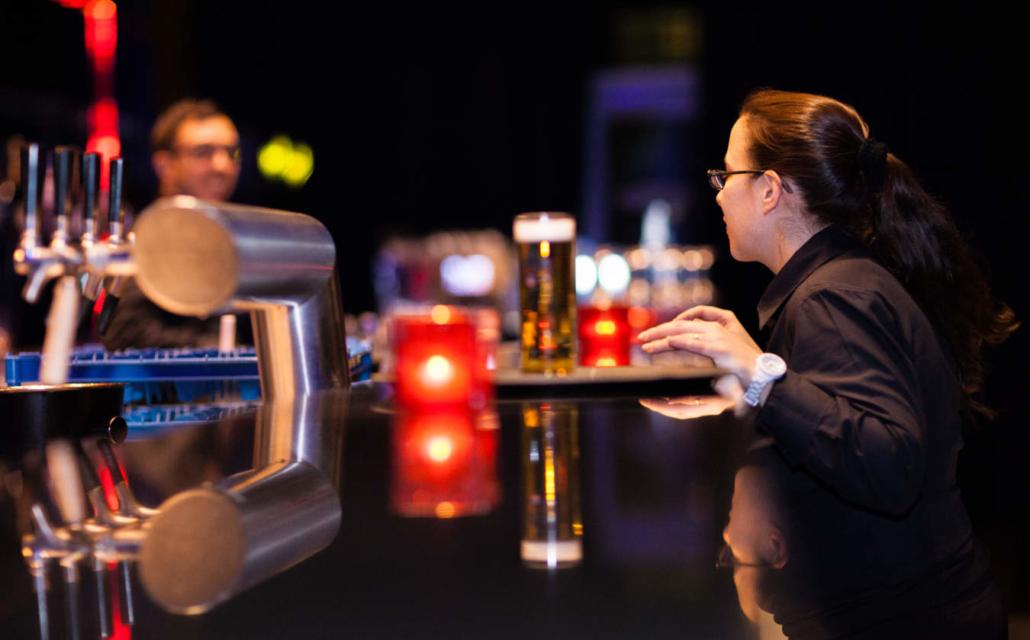 Veranstaltung, an der Bar, Foto