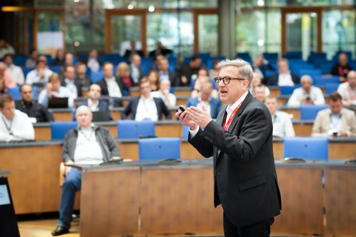 Redner bei Kongress im WCC Bonn